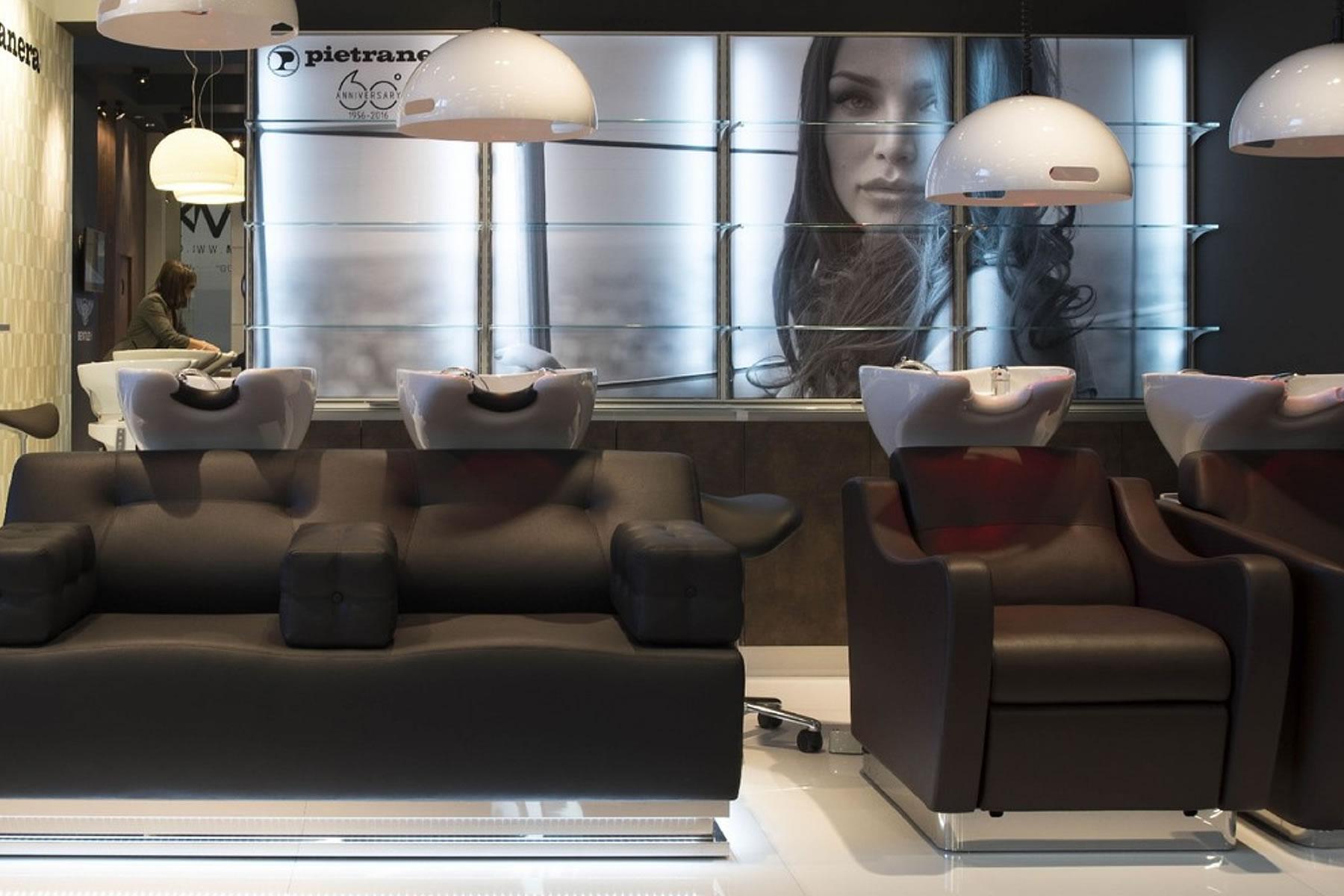 Idea arredo arredamento parrucchieri e centri estetitici for Arredamenti per saloni di parrucchieri